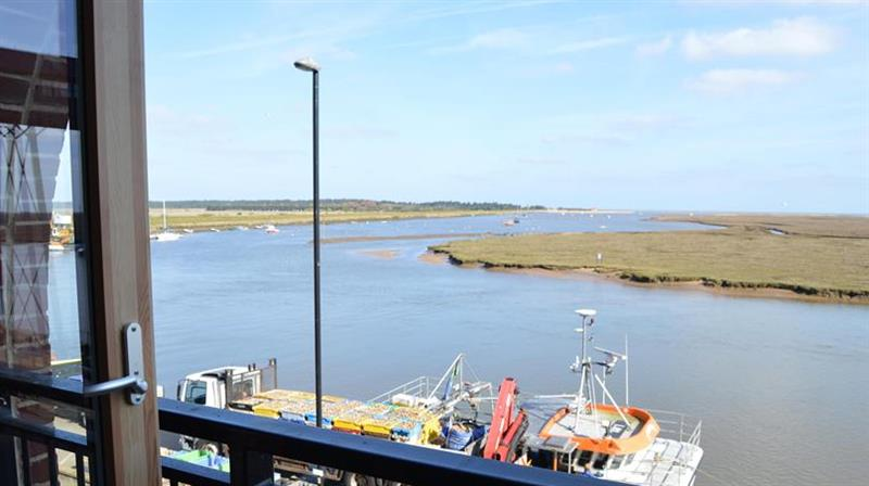 Quayside Lookout in Wells-next-the-Sea - sleeps 2 people
