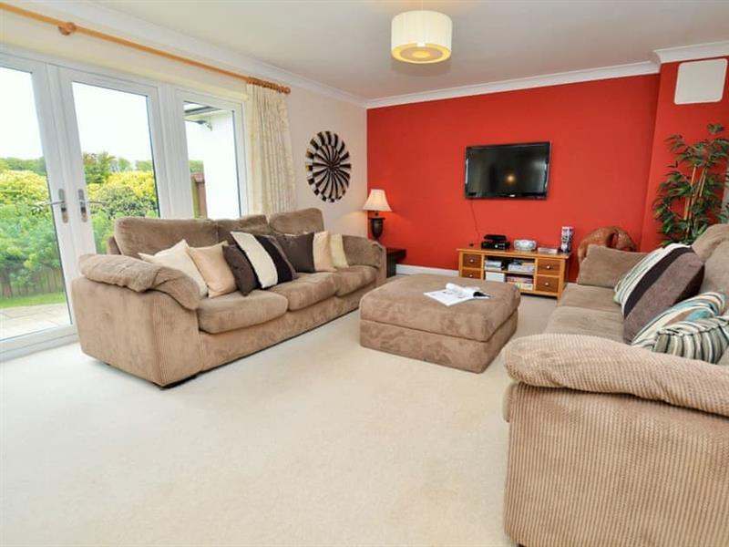 Ranmoor New Farm Cottage in Blandford Forum - sleeps 6 people
