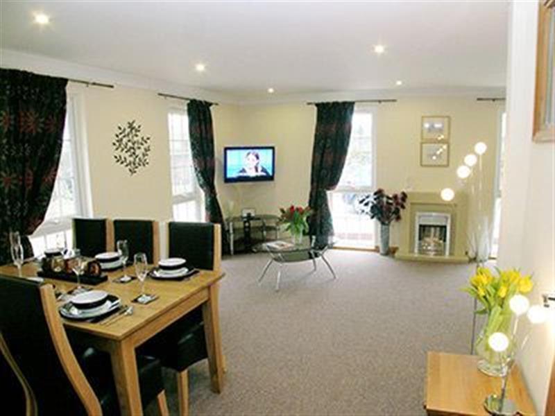 Raynham Cottages - Lavender Lodge in South Raynham, Fakenham, Norfolk. - sleeps 6 people