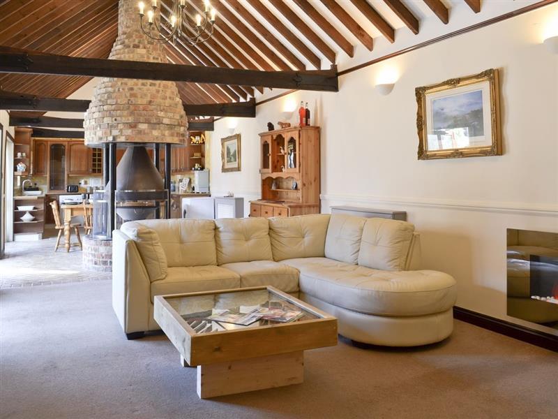 Redbridge Farm - Redbridge Stable Cottage in Lytchett Matravers, nr. Poole - sleeps 5 people