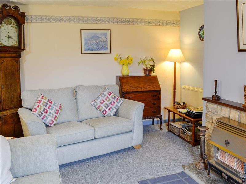Regina Cottage in Mangerton, Nr Bridport, Dorset. - sleeps 4 people