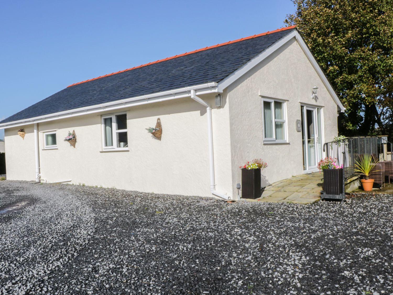 Rhosydd Cottage in Brynteg near Benllech - sleeps 6 people