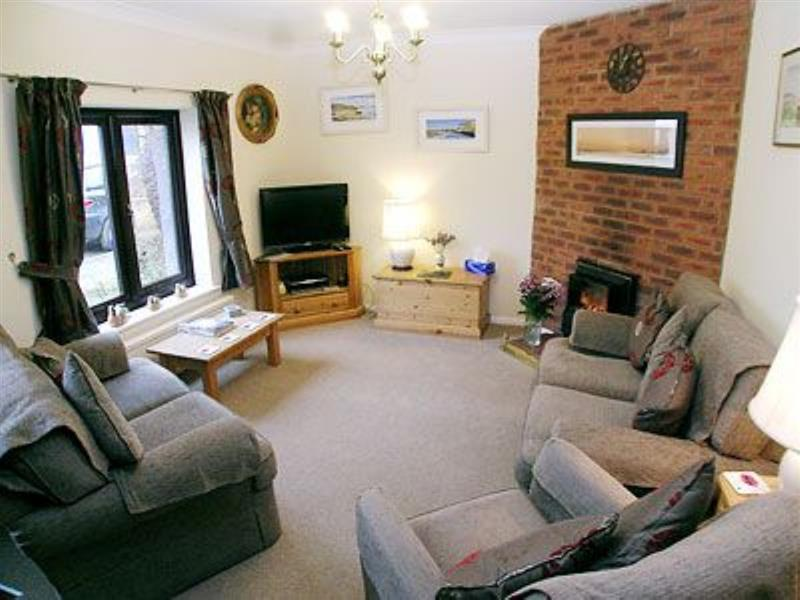 Ringstead Cottage in Ringstead - sleeps 5 people