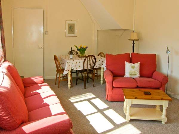 Riverside Cottage in Llanwrthwl - sleeps 5 people