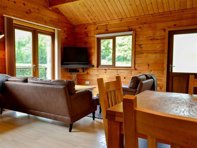 Rose Cotterill Cabins - Cedar Lodge in Bryncoch, near Neath, Glamorgan - sleeps 6 people