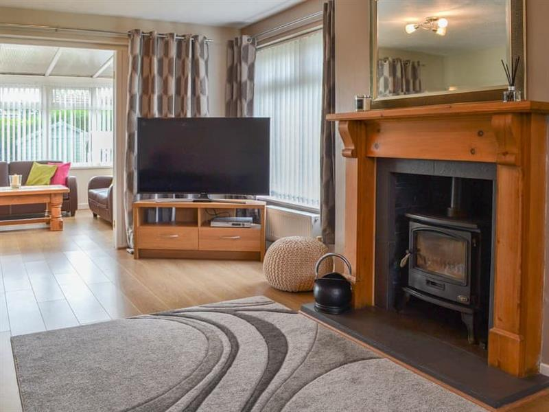 Rosedale in Benllech, near Llangefni, Anglesey - sleeps 10 people