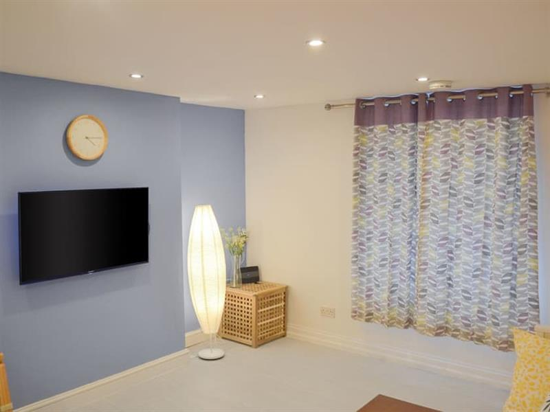 Roseville Cottage in Dartmouth - sleeps 6 people