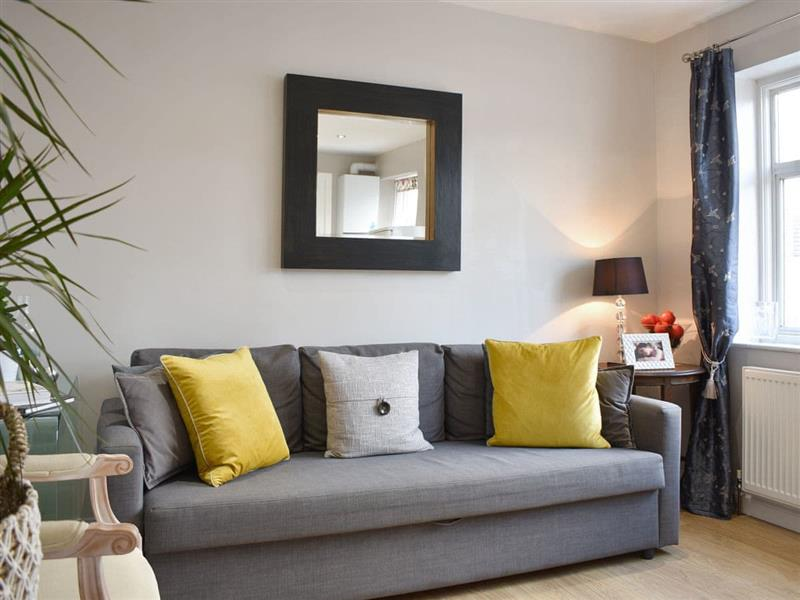 Rusper Apartment in Wood Green, near Central London - sleeps 6 people