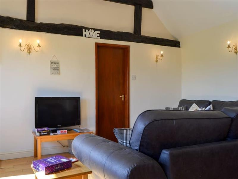 Ryton Farm Holiday Cottages - Chestnut in Dorrington, near Shrewsbury - sleeps 4 people