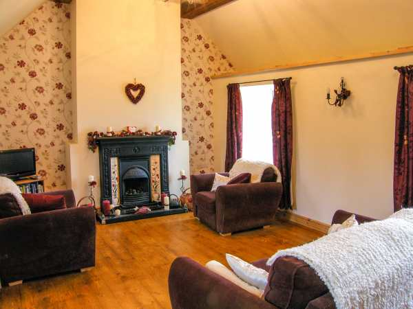 Salem in Mynydd Bodafon - sleeps 4 people