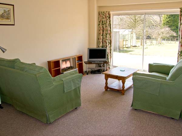 Salmon Cottage in Llanwrthwl - sleeps 4 people