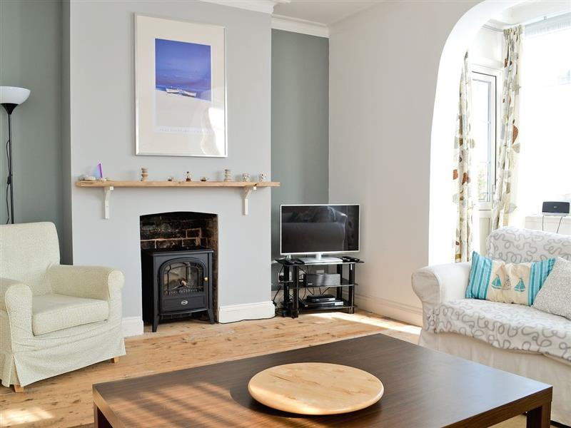 Sea Breeze in Cromer - sleeps 6 people
