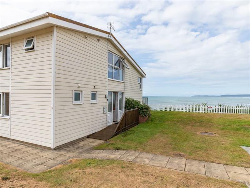 Sea Front House 8 in Westward Ho!, North Devon - sleeps 6 people