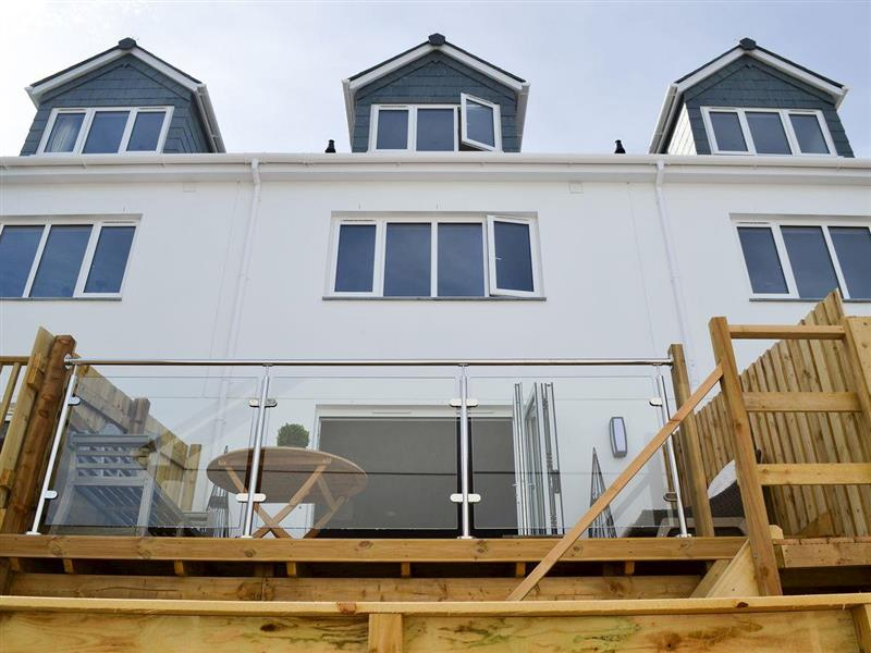 Sea Glass in Falmouth - sleeps 6 people