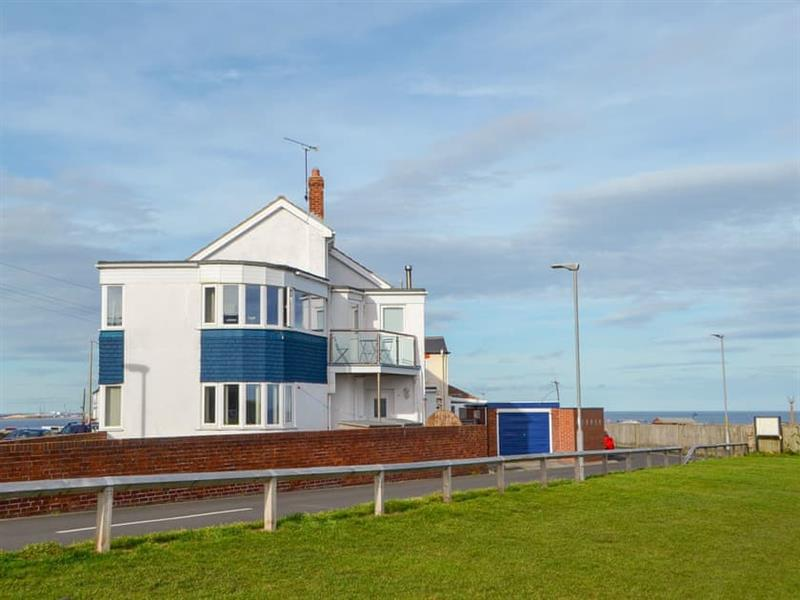 Sea View House in Seaton Sluice, near Whitley Bay - sleeps 8 people