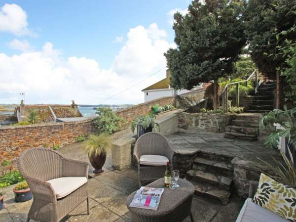 Seabien in Falmouth - sleeps 4 people