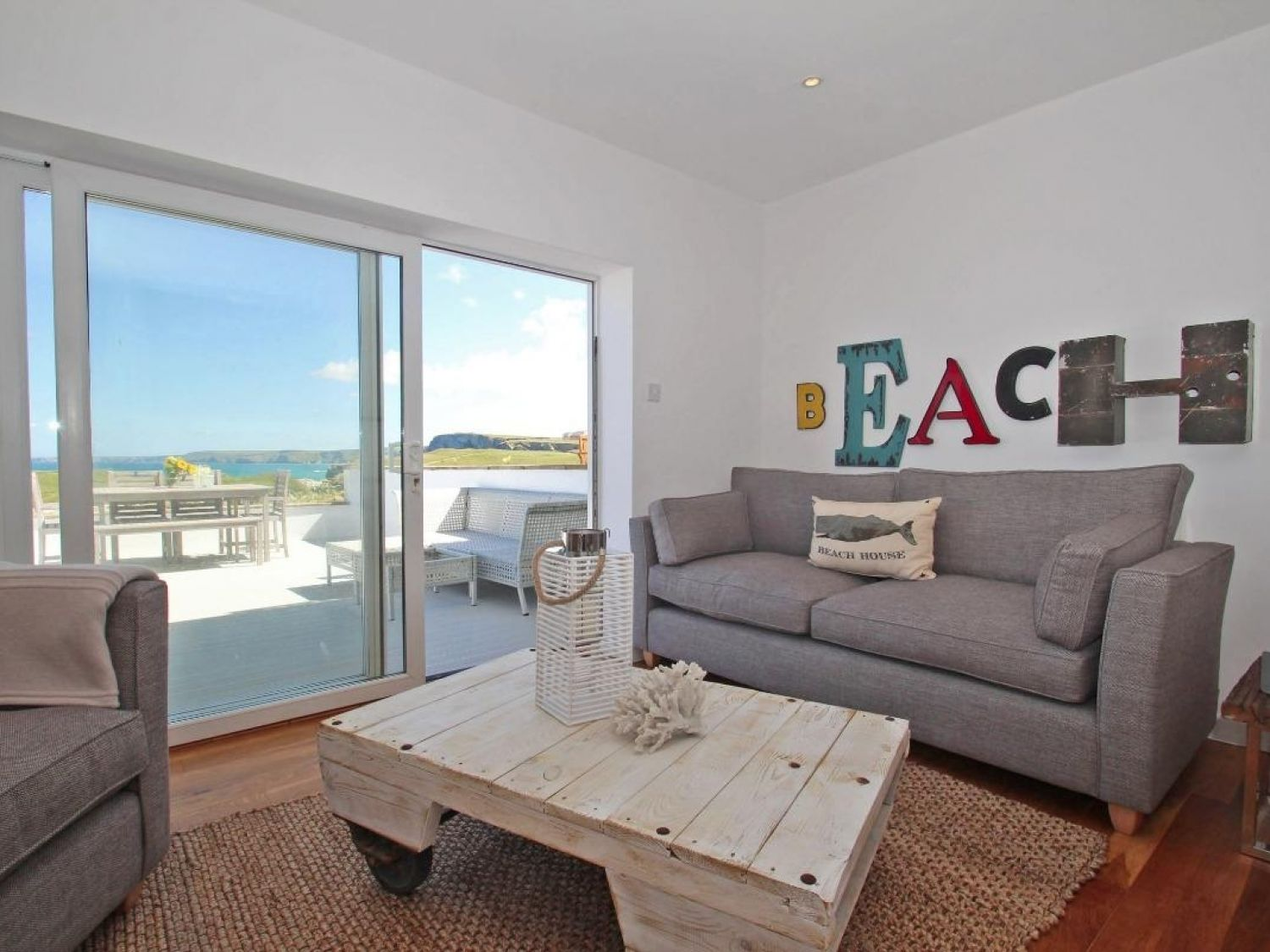 Seascape in Porth - sleeps 6 people