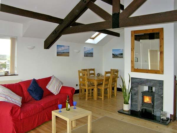 Seascape in Trearddur Bay - sleeps 8 people