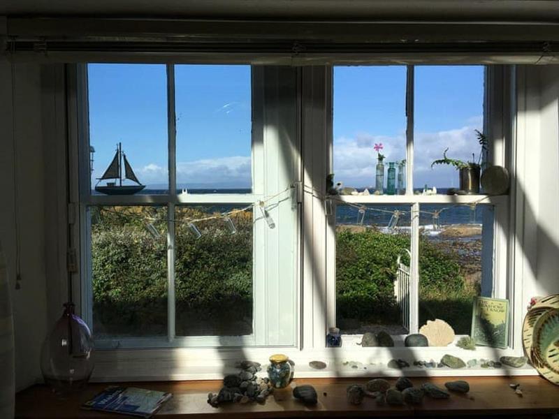 Seaview Cottage in Dunure - sleeps 6 people