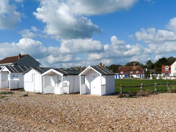 Seaview Cottage in Normans Bay near Bexhill-on-Sea - sleeps 4 people