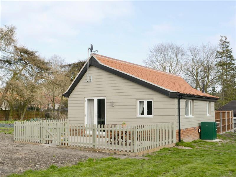 Sereynis Holiday Cottages - The Boat House in Roughton, near Cromer, Norfolk - sleeps 4 people