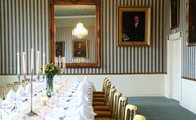 Shapwick Manor in Shapwick - sleeps 22 people