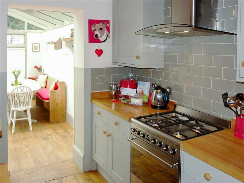 Shipside Apartment in Meads Village, near Eastbourne - sleeps 6 people