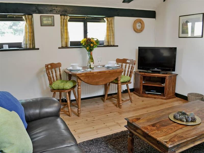 Smugglers Barn Cottages - Oak Cottage in Jevington, near Eastbourne - sleeps 2 people