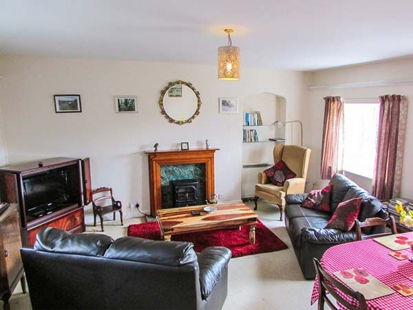 Sockety Farm Cottage in South Perrott - sleeps 4 people