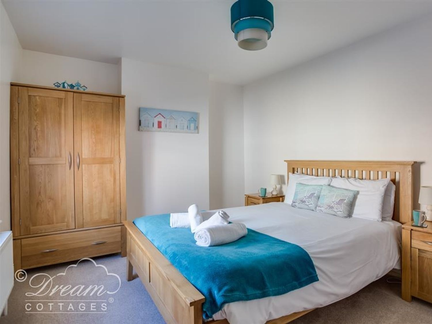 South Harbour Cottage in Weymouth - sleeps 4 people