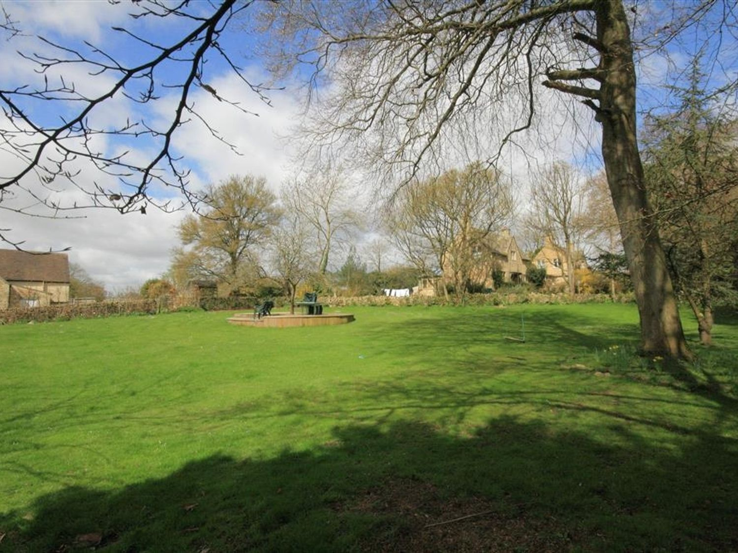 South Hill Farmhouse (6) in Stow-On-The-Wold - sleeps 6 people