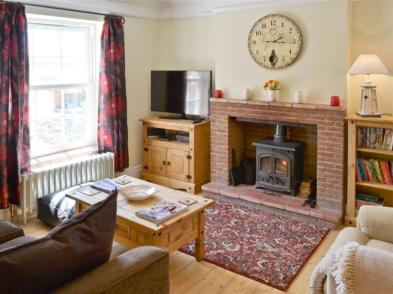 South View Cottage in West Beckham - sleeps 5 people
