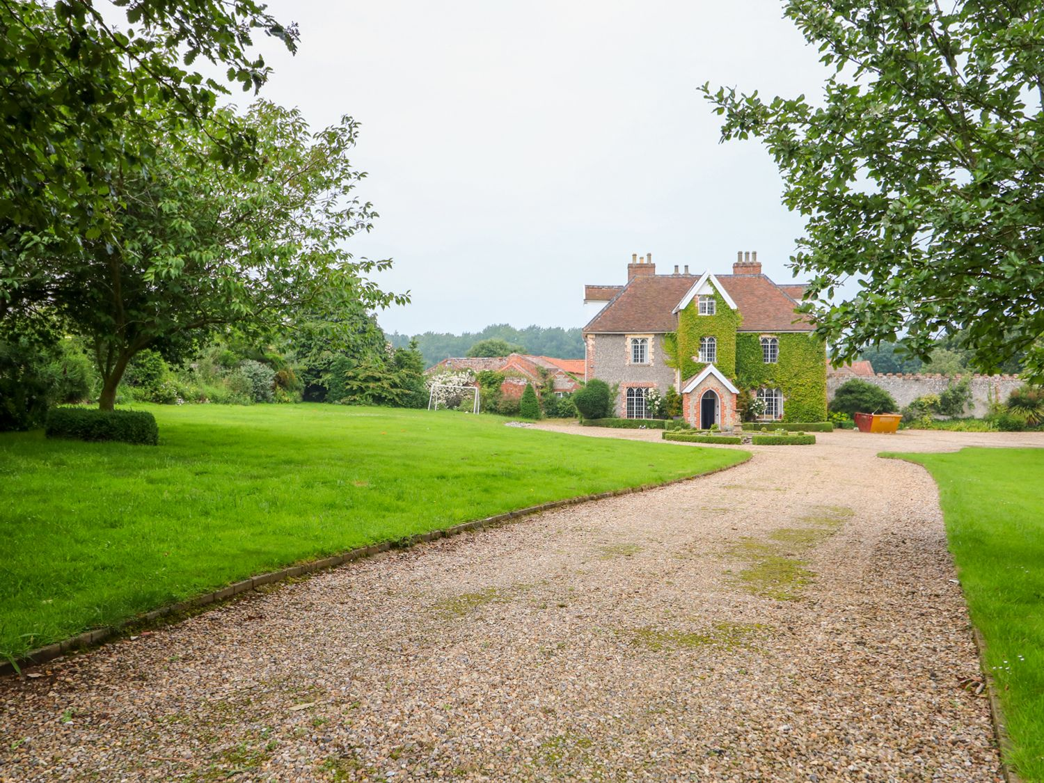 Southrepps Lodge in Southrepps - sleeps 18 people