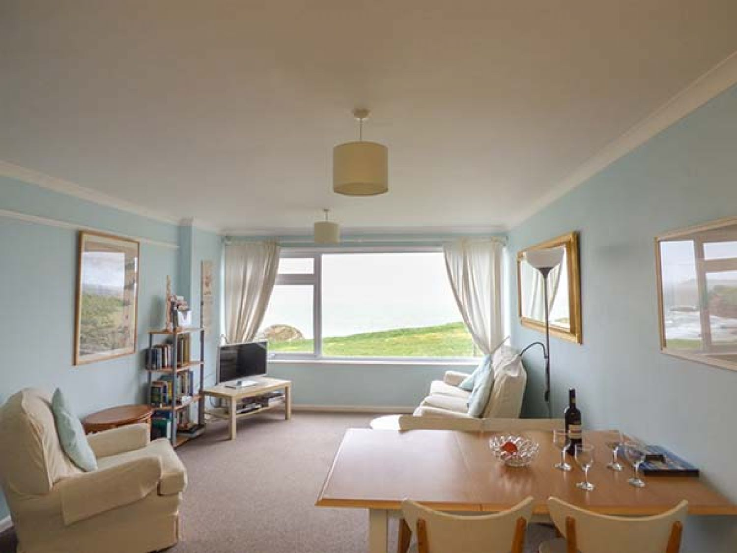 Spindrift Apartment 3 in Porth - sleeps 4 people