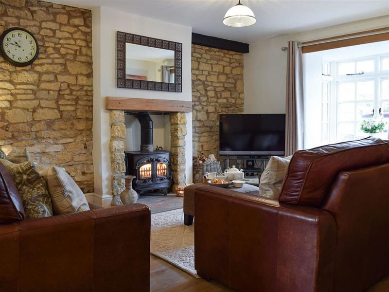 Spring Cottage in Bourton-on-the-Water - sleeps 6 people