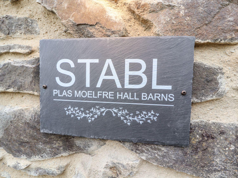 Stabl, Plas Moelfre Hall Barns in Moelfre near Llanrhaeadr-Ym-Mochnant - sleeps 2 people