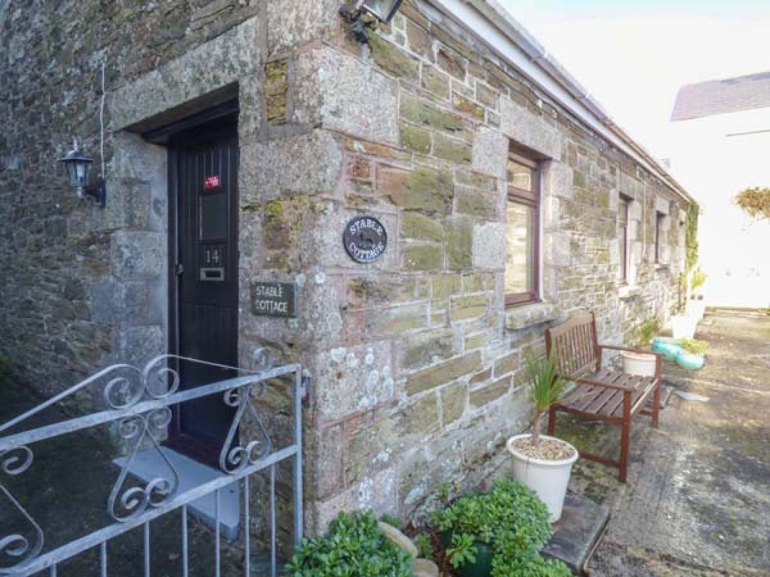 Stable Cottage in Porth near Newquay - sleeps 4 people