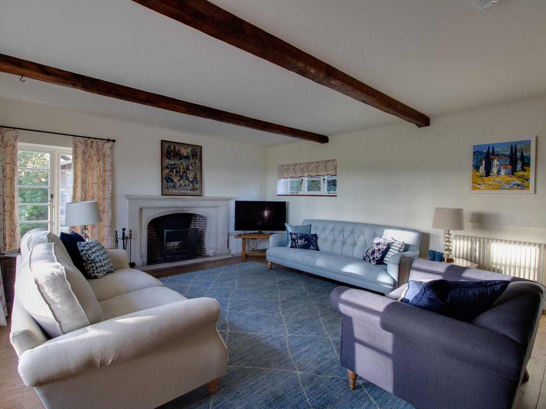 Staddles Cottage in Sutton Poyntz - sleeps 6 people