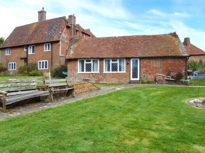 Standard Hill Cottage in Ninfield - sleeps 2 people