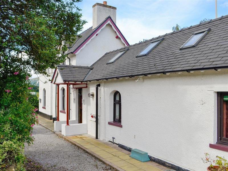 Station House in Tal-y-Cafn, near Conwy, Conwy - sleeps 4 people