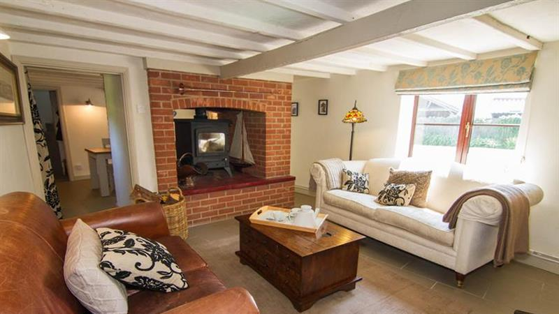 Stone Cottage in Holt near Melton Constable - sleeps 5 people