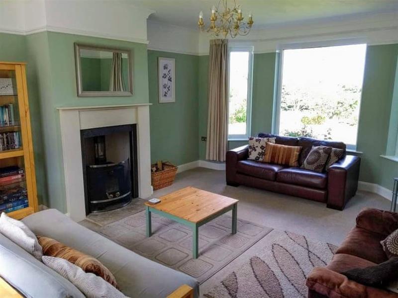 Stonebank House in Berwick-Upon-Tweed - sleeps 10 people