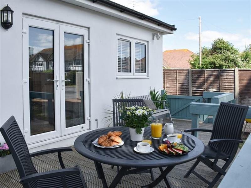 Stones Throw in Goring-by-Sea, near Worthing - sleeps 4 people