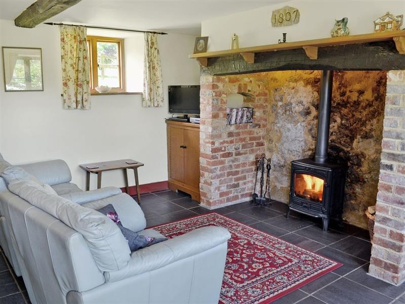 Strawberie Cottage in Beaminster - sleeps 2 people