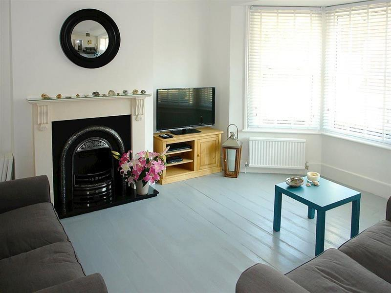 Sun Trap Cottage in Eastbourne - sleeps 4 people