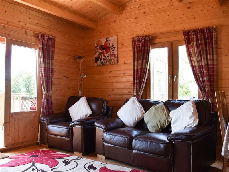 Sunbrae Holiday Lodges - Robin Lodge in Stoulton, near Malvern - sleeps 2 people
