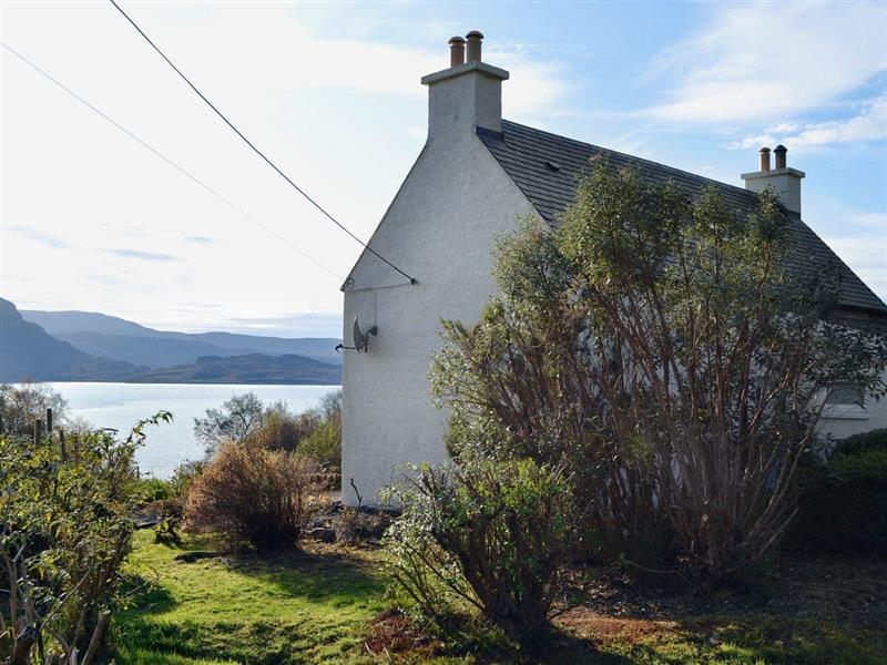 Sunnybank Cottage in Inveralligin, near Torridon - sleeps 4 people