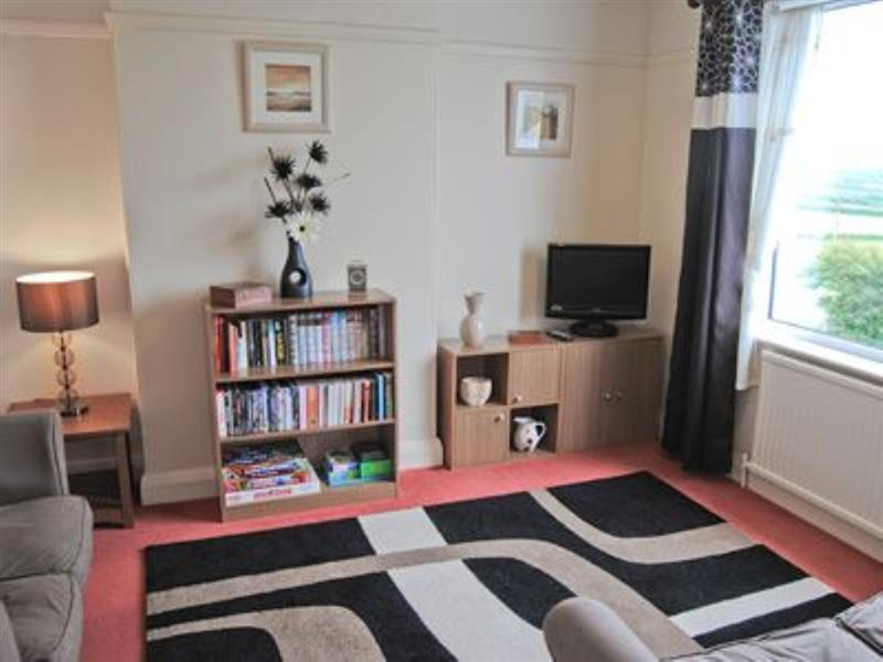 Sunrise Apartment in Porth, nr. Newquay - sleeps 4 people