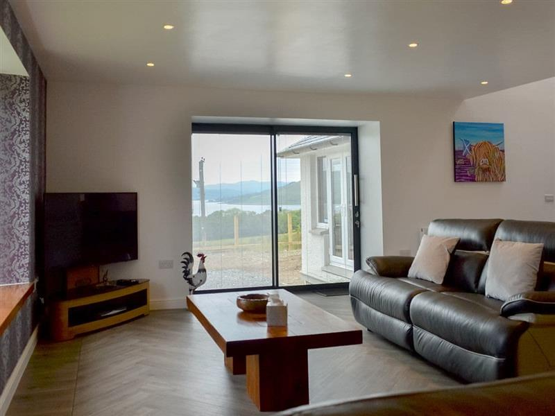Sunset View in Port Lamont, near Dunoon, Argyll and Bute - sleeps 8 people