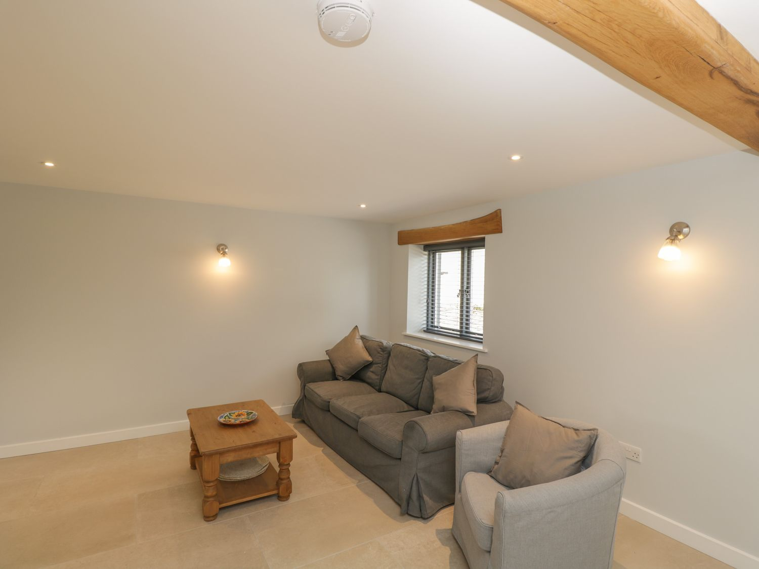 Swallows, 1 The Old Stables in Stanton Harcourt near Eynsham - sleeps 4 people